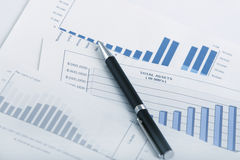 charts finansiellt Royaltyfria Bilder
