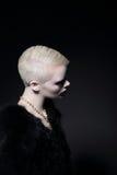 charyzma Profil blondynki mody model z Bob uczesaniem Obraz Stock