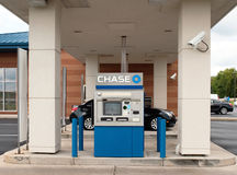CHASE Bank Drive-Thru. DAYTON, OHIO, USA – AUGUST 26: ATM Machine available for 24/7 use at Chase Bank Drive-Thru in Dayton, Ohio, August 26, 2011. JPMorgan Stock Images