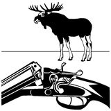 Chassant fusil les l'orignaux sauvages noircissent le fond de blanc de silhouette Image libre de droits