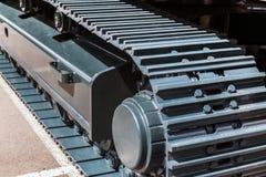 Chassi av traktoren och bulldozern white för objekt för maskineri för bakgrundskonstruktion grävskopa isolerad Arkivfoton