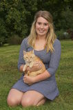 Chat de fille et d'animal familier Photos libres de droits