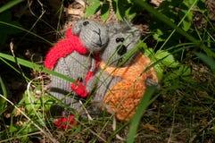 Chat et souris de deux jouets, fabriqués à la main Images stock