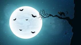 Chat noir sur un arbre dans la perspective de la pleine lune Nuit terrible 'bat' de vol Ciel étoilé réaliste Image stock