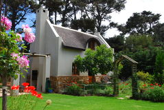 chata ogród Obrazy Royalty Free