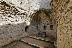 Chateau Aguilar in Frankreich lizenzfreies stockbild