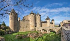 Chateau Comtal - för århundradebergstopp för th 12 slott i Carcassonne Arkivfoto