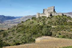 Chateau d ` Aguilar in Frankreich lizenzfreie stockfotografie