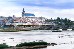 Chateau d'Blois von die Loire-Ansicht Stockfotografie