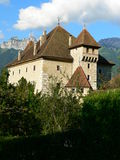 Chateau D här, Duingt (Frankrike) Royaltyfri Foto