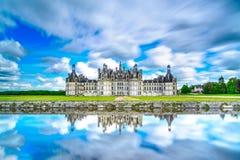 Chateau de Chambord, medeltida fransk slott för Unesco och reflexion. Loire Frankrike Royaltyfri Bild