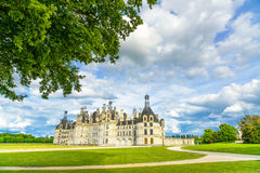 Chateau de Chambord, mittelalterliches französisches Schloss UNESCO und Baum. Die Loire, Frankreich Stockbilder