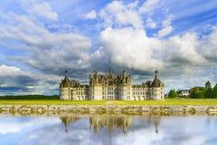 Chateau de Chambord, mittelalterliches französisches Schloss UNESCO und Reflexion. Die Loire, Frankreich Lizenzfreies Stockbild