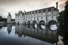 Chateau de Chenonceau på gryning Royaltyfri Fotografi