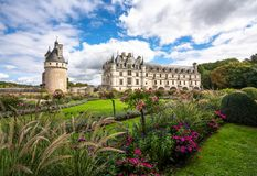 Chateau de Chenonceau und erstaunliche Gärten lizenzfreie stockbilder