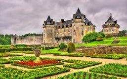 Chateau de La Roche Courbon i Charente-maritimt Arkivbilder