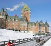 Chateau Frontenac i vintern, traditionell glidbana, Kanada Arkivfoton