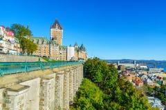 Chateau Frontenac och den lägre staden, i Quebec City royaltyfria foton