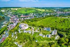 Chateau Gaillard, en förstörd medeltida slott i den Les Andelys staden - Normandie, Frankrike arkivbilder