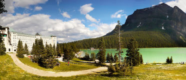 Chateau Lake Louise, Alberta, Kanada Arkivfoton