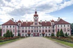 Chateau Mnichovo Hradiste, Tjeckien Royaltyfri Bild