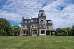 Chateau-sur-MER is één van de grootste Victoriaanse die huizen van Amerika, in Nieuwpoort, RI worden gesitueerd royalty-vrije stock fotografie