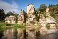 Chateau van Sergeac en rivier royalty-vrije stock foto's