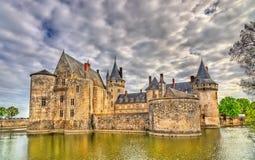 Chateauen de Befläcka-sur-Loire, av Loiret Valley rockerar på i Frankrike Royaltyfri Fotografi