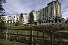 chateaufairmont Lake Louise Royaltyfri Foto