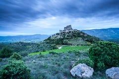 Chateaux d'Aguilar an der Dämmerung stockfoto