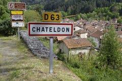 Chateldon-Eingang roadsign Lizenzfreies Stockfoto
