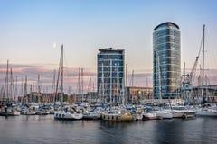 Chatham maritieme jachthaven bij zonsondergang stock fotografie