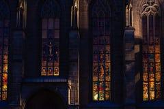 chatholic kościół przy błękitnym godzina wieczór obrazy stock