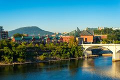Chattanooga skyline. Downtown Chattanooga, Tennessee, with Lookout Mountain rising in the distance Stock Photo
