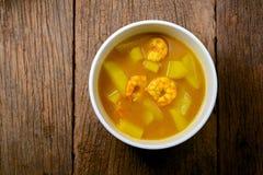 Chaud et acidifiez, crevette avec la papaye Image stock