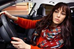 Chaufför Beautifful för ung kvinna Arkivfoton