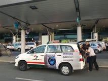 Chauffeur de taxi à l'aéroport de Ho Chi Minh Image libre de droits