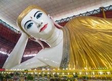 Chauk Htat Gyi Buddhabild Arkivfoto