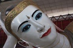 Chaukhtatgyi Buddhatempel Yangon Myanmar Arkivfoton
