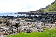 Chaussée de Giants et Clifffs, Irlande du Nord images libres de droits
