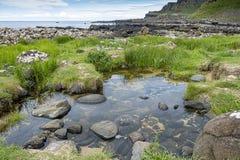 Chaussée géante rocheuse d'Irelands images stock