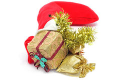 Chaussette du père noël complètement des ornements de Noël Images libres de droits