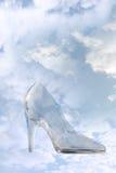Chausson en verre de haut talon avec le chemin de découpage Photographie stock libre de droits