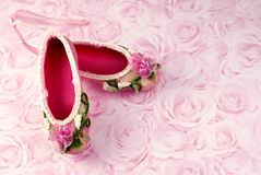 chaussons roses de ballet Photos stock