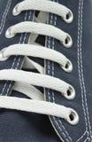 Chaussure de toile bleue Images libres de droits