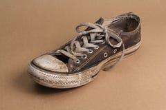 Chaussure en état vraiment mauvais Photographie stock libre de droits