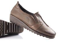 Chaussure en cuir brune femelle Photographie stock