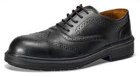 Chaussure en cuir noire images stock