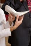 Chaussure femelle blanche. Photographie stock libre de droits