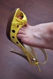 Chaussure jaune sexy Photographie stock
